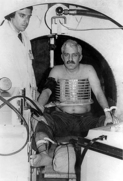 Dr. Damadian in Indomitable for the first attempt at a human MR scan